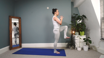 Yoga with Sara | Connecting to Stillness